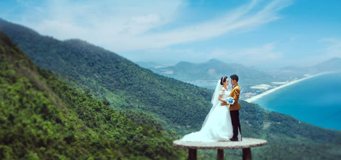 Wedding photo at Hai Van Pass